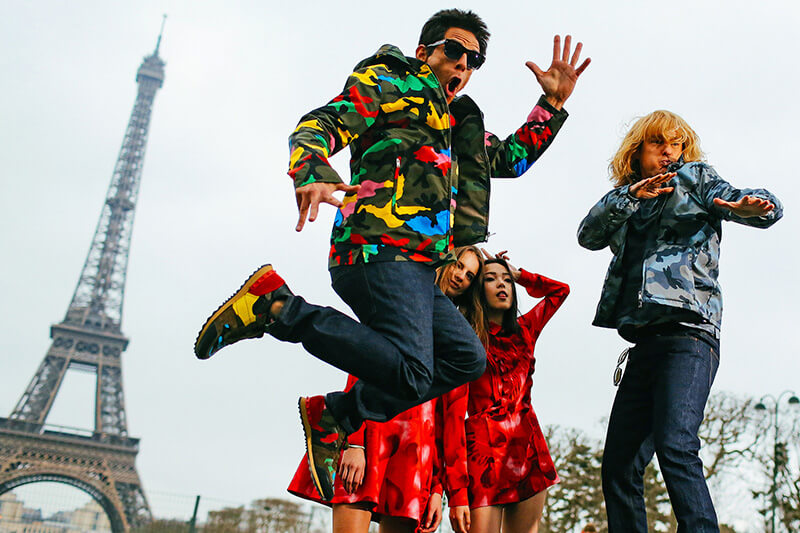 derek-zoolander-and-hansel-strike-a-pose-at-the-eiffel-tower-8