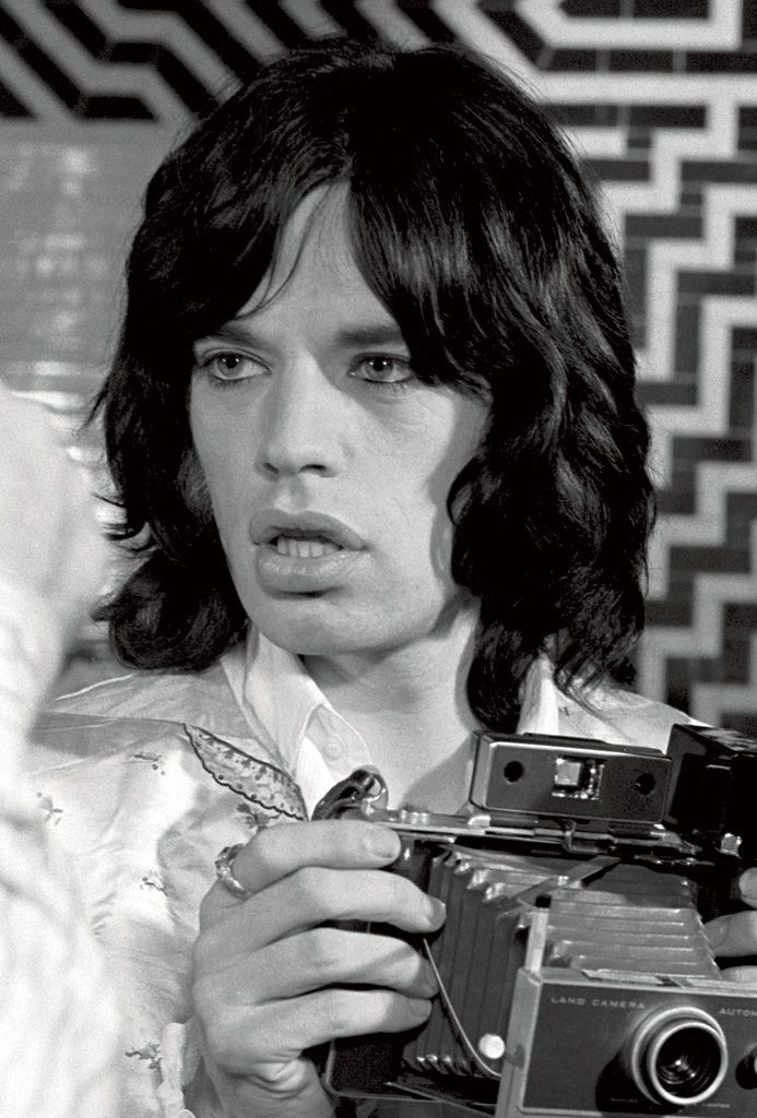 Celebrities with Their Vintage Cameras (11)