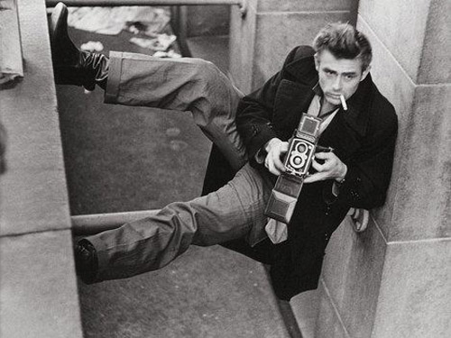 Celebrities with Their Vintage Cameras (13)