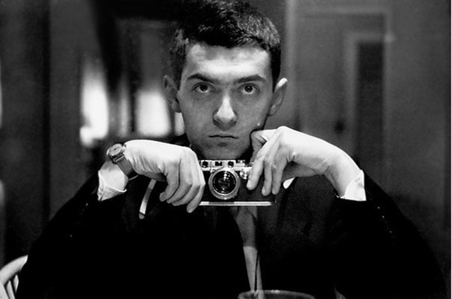 Celebrities with Their Vintage Cameras (26)