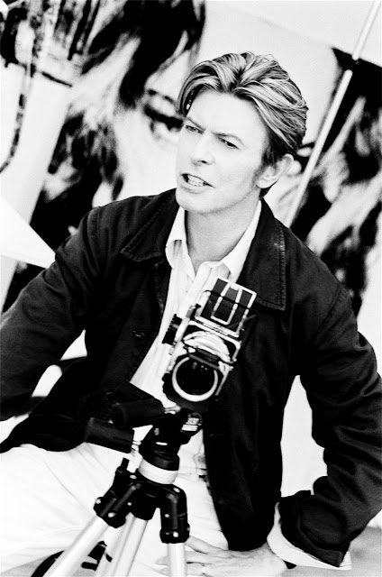 Celebrities with Their Vintage Cameras (6)