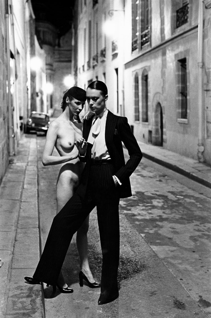 Helmut Newton, Yves Saint Laurent, Rue Aubriot, Vogue France, 1975, Paris photo © Helmut Newton Estate