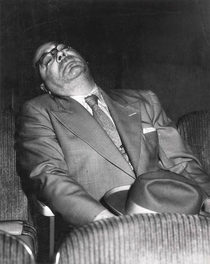 Weegee+-+Filmgoers,+1940s+(1)