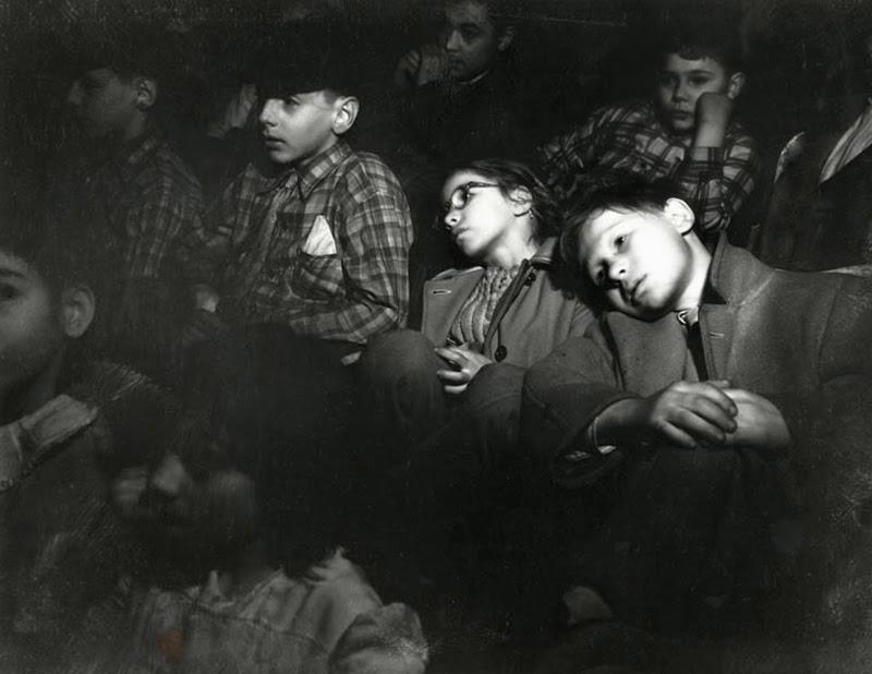 Weegee+-+Filmgoers,+1940s+(2)