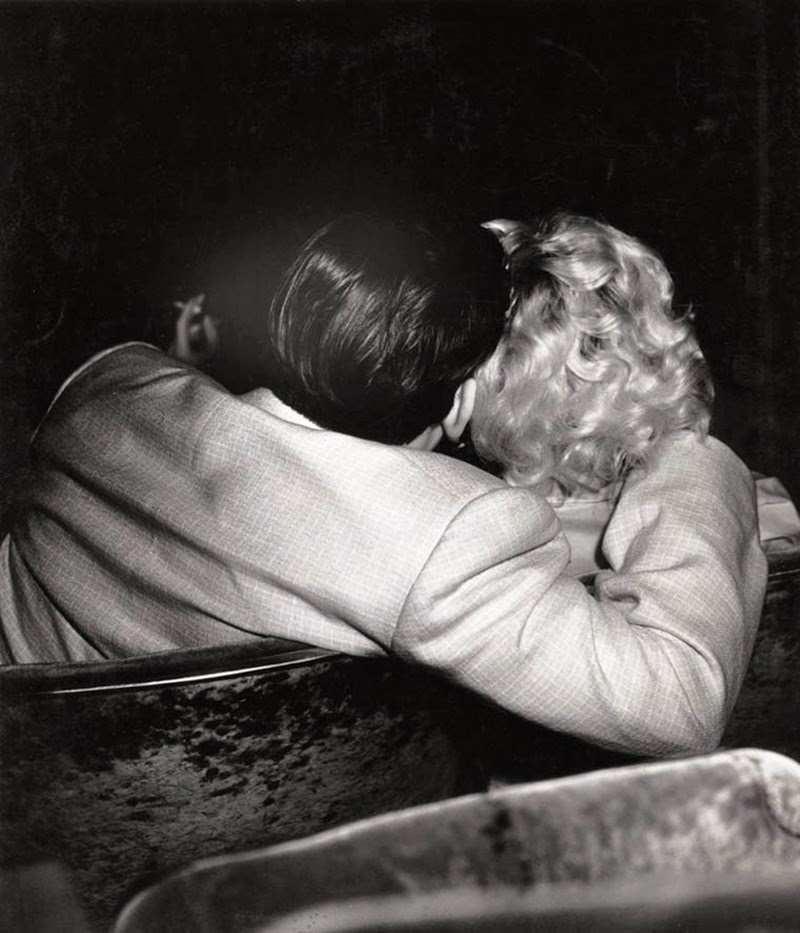 Weegee+-+Filmgoers,+1940s+(7)