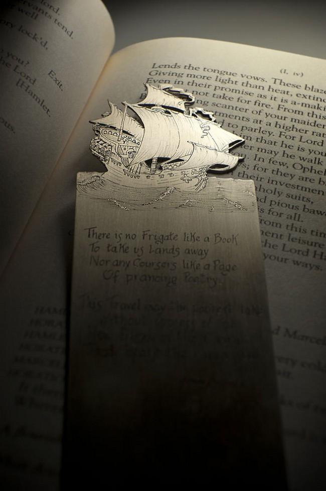 boat-silver-bookmark