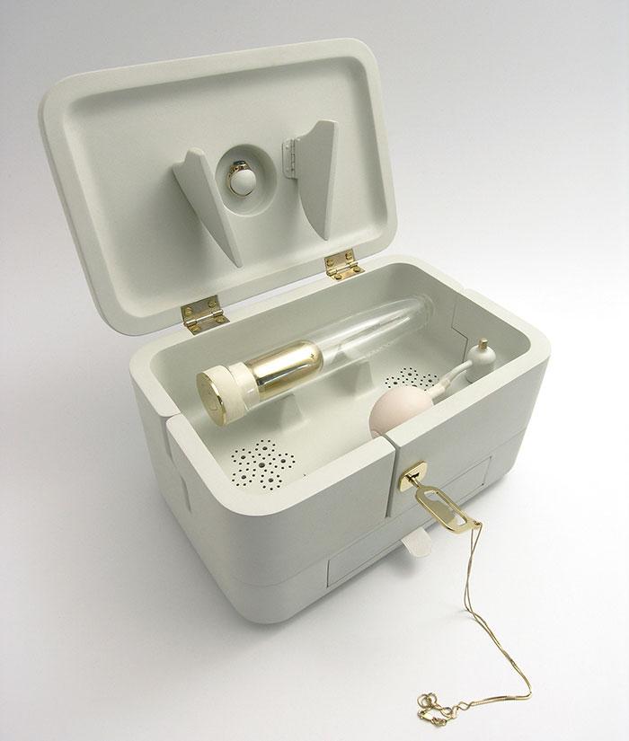 cremation-ashe-dildo-21-grams-mark-sturkenboom-2