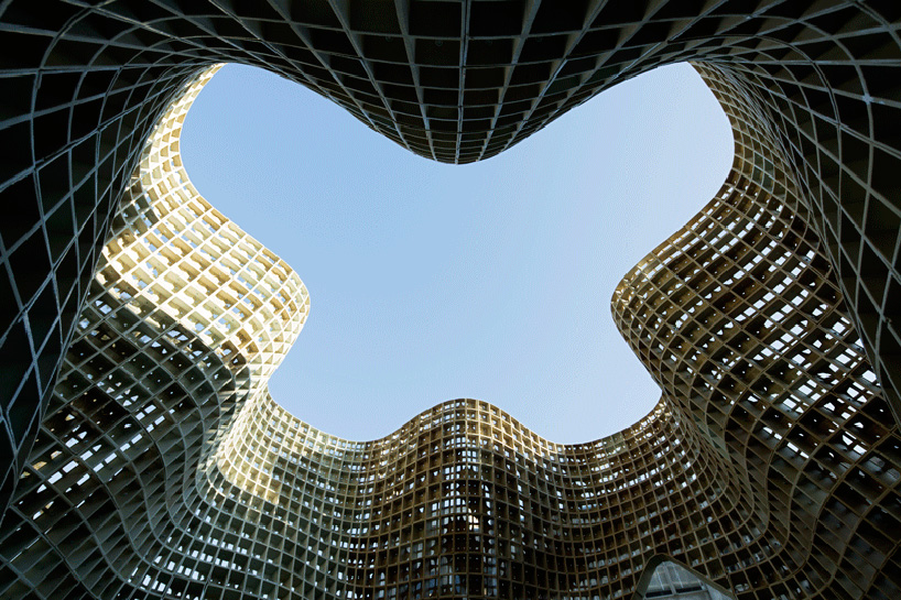 emerging-objects-bloom-3D-printed-pavilion-designboom-03