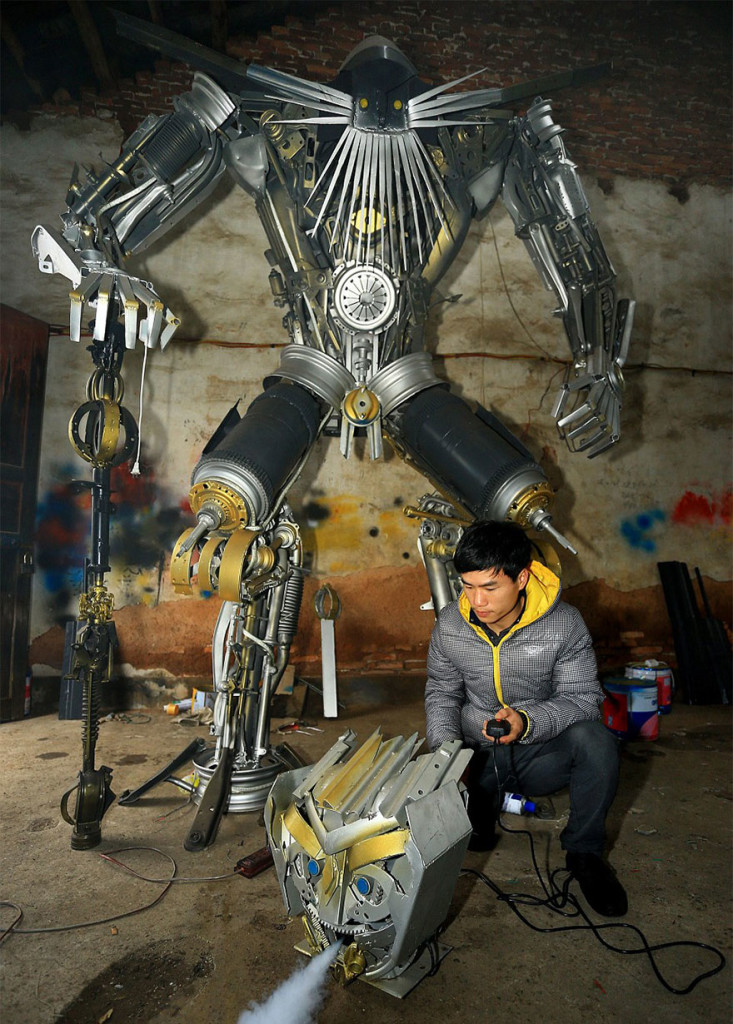 recycled-scrap-metal-sculpture-transformers-father-son-farmer-china-3-733x1024