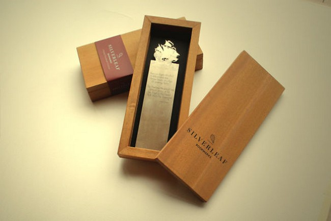 silver-bookmark-packaging