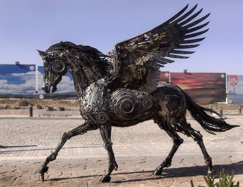 steampunk-pegasus-made-from-scrap-metal-by-hasan-novrozi-4