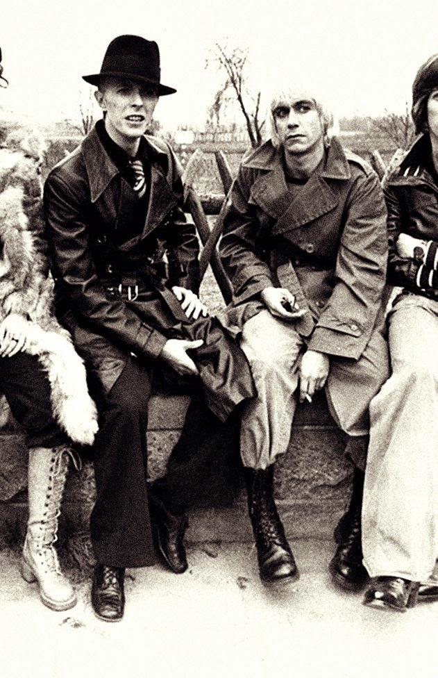 David+Bowie+and+Iggy+Pop+in+the+1970s+(17)