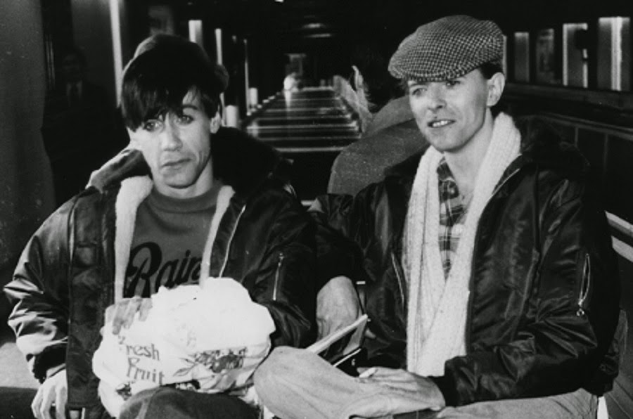 David+Bowie+and+Iggy+Pop+in+the+1970s+(6)