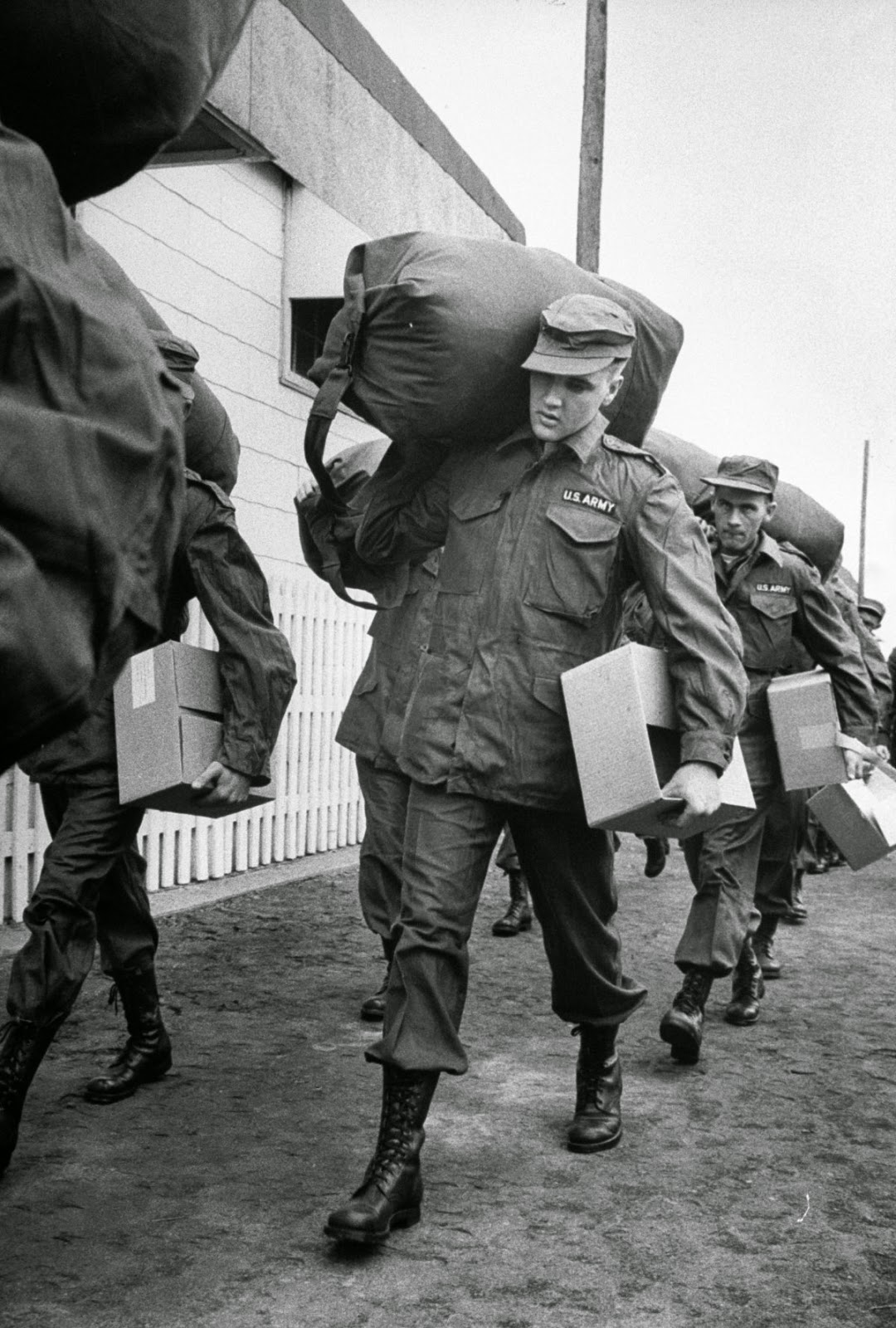 Photos Of Elvis Presley Joining The Army In 1958 Art Sheep