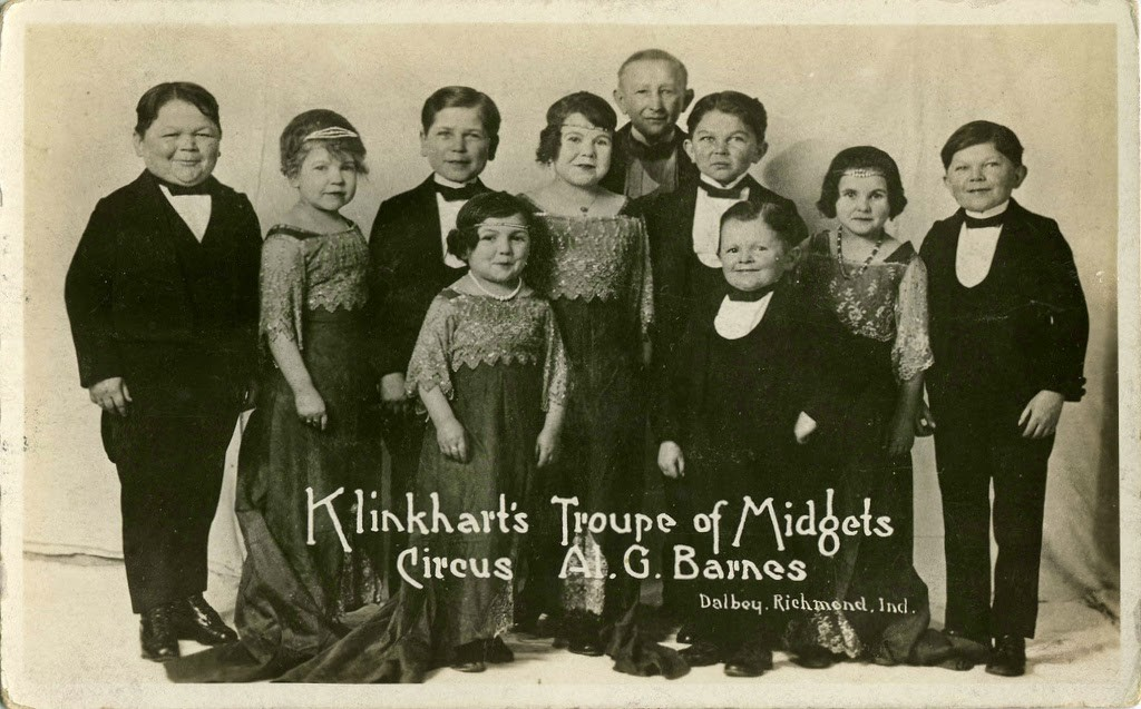 Hans+Kasemann+and+his+Midget+Troupe,+1920s+(25)
