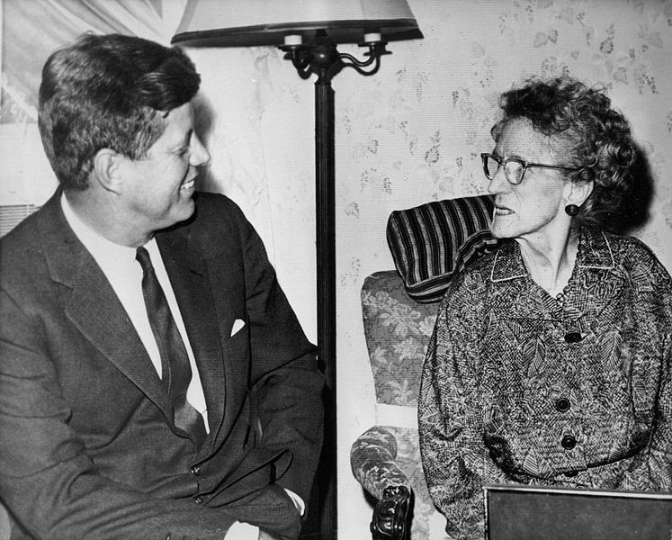 John_F._Kennedy_visits_his_97_year_old_grandmother_1962