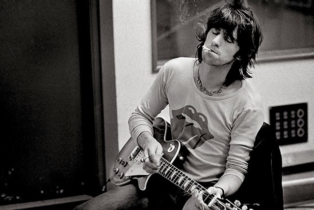 Rock+'n'+Roll+Musicians+Smoking+(4)