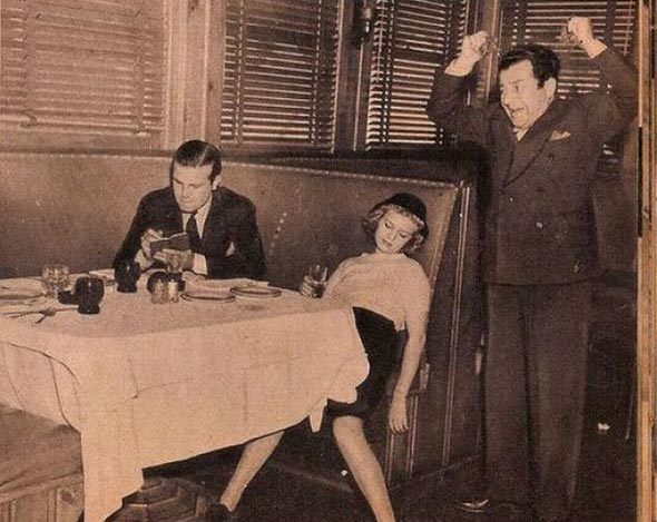 The+Proper+Etiquette+Of+A+Woman+Dating+In+The+1930′s+(13)