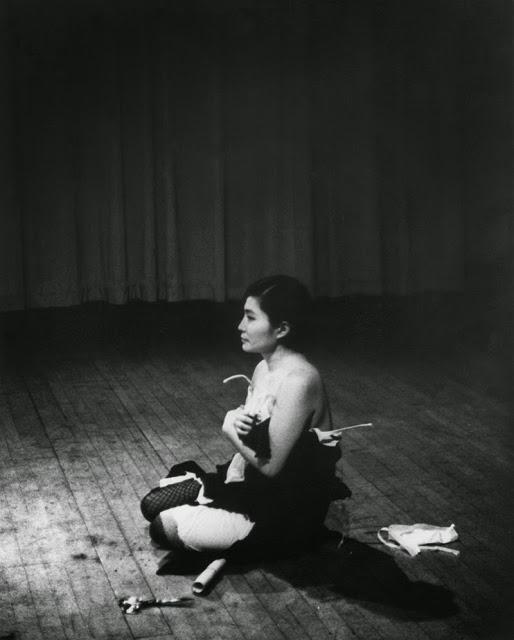 Yoko+Ono,+1960s+(4)