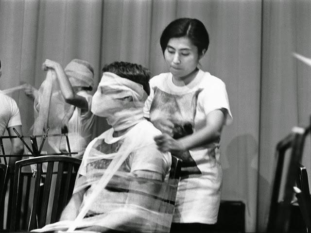 Yoko+Ono,+1960s+(5)