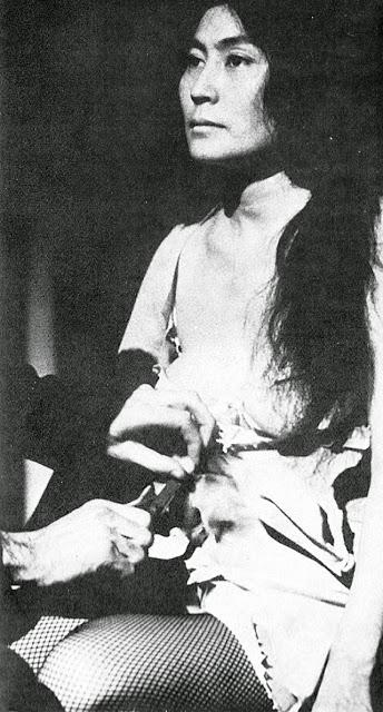Yoko+Ono,+1960s+(6)