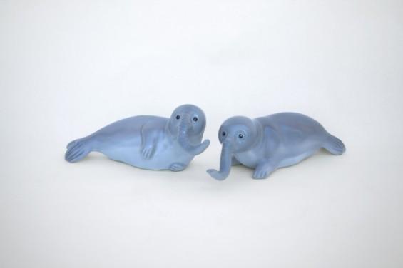 elephant-seals-565x376
