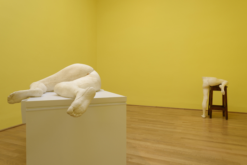 sarah-lucas-british-pavilion-at-the-venice-art-biennale-designboom-08