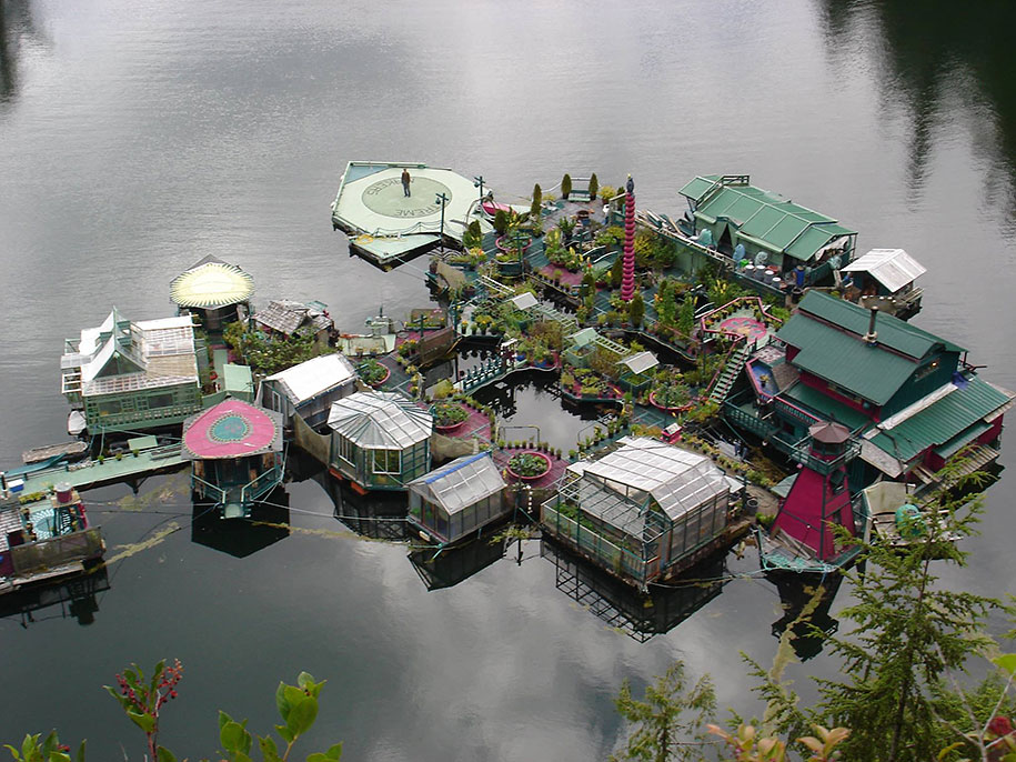 self-sustaining-off-grid-house-freedom-cove-wayne-adams-_009