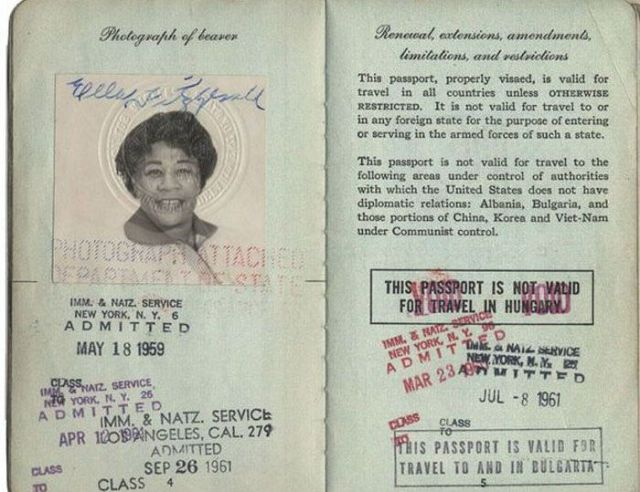 PassportPhotosofIconicFiguresinThePast10
