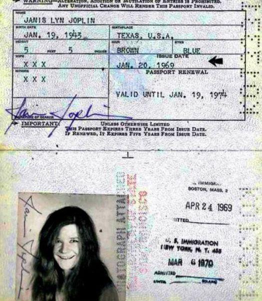 PassportPhotosofIconicFiguresinThePast13