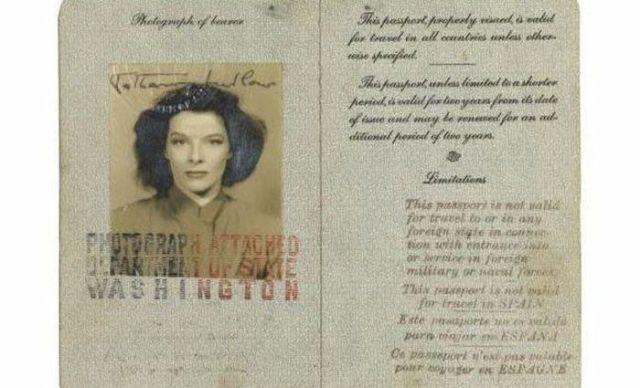 PassportPhotosofIconicFiguresinThePast17