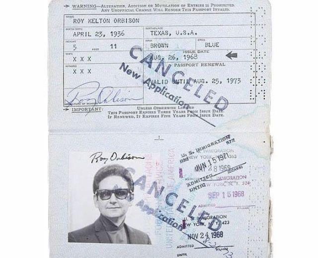 PassportPhotosofIconicFiguresinThePast5