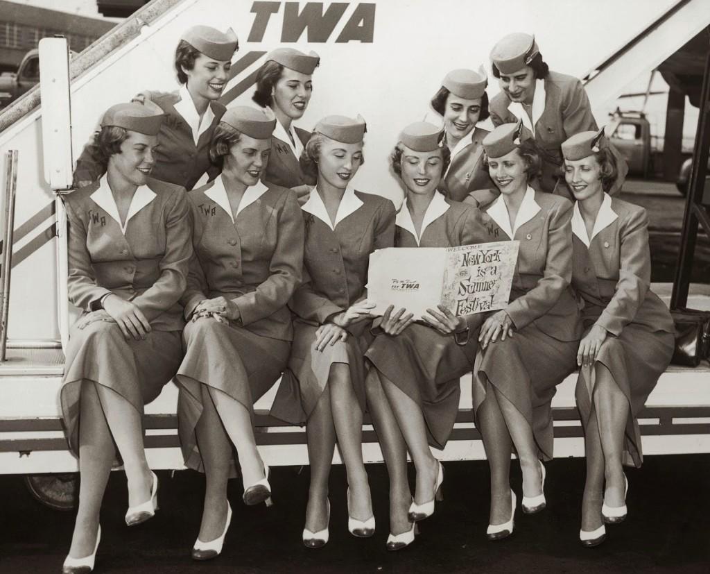 Retro Uniforms of Flight Attendants (4)