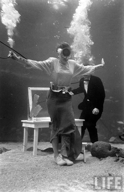 UnderwaterFashionShow2C194728229