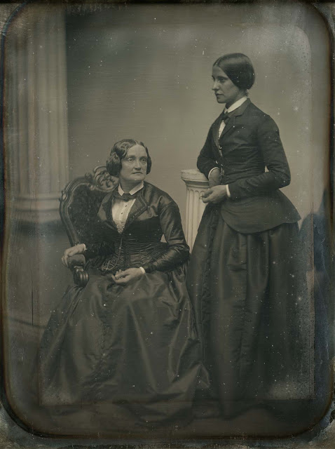 Beautiful Photographs Of Proud Lesbian Couples From The Victorian Era - Art-Sheep-4981