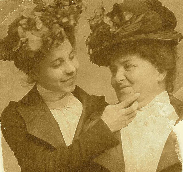 Beautiful Photographs Of Proud Lesbian Couples From The Victorian Era - Art-Sheep-3515