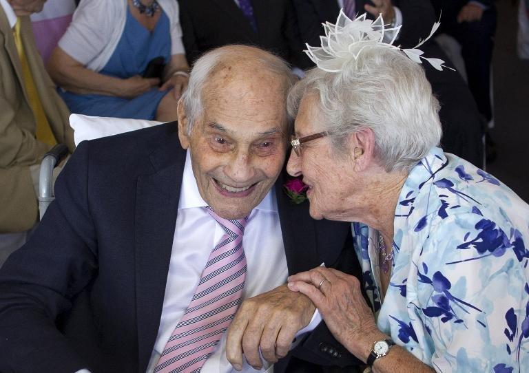 afp-british-couple-become-worlds-oldest-newlyweds