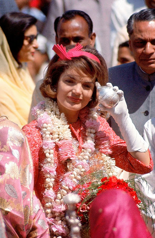 Jackie+Kennedy+in+India,+1962+(1)