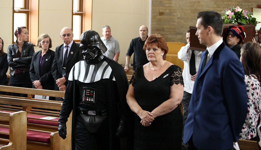 darth-vader-funeral-lorna-johnson-luton-2