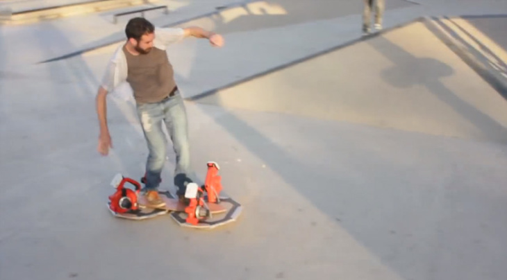 leaf-blower-hoverboard-03