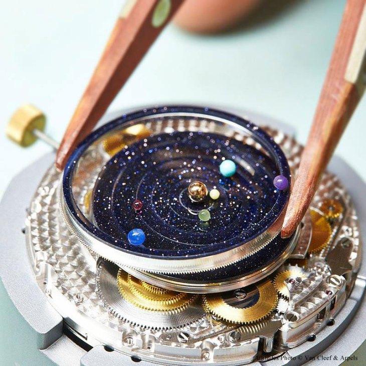 midnight-planetarium-watch-04