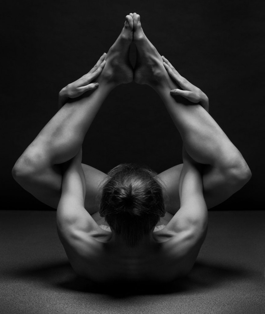 black-and-white-portraits-women-body-bodyscapes-anton-belovo