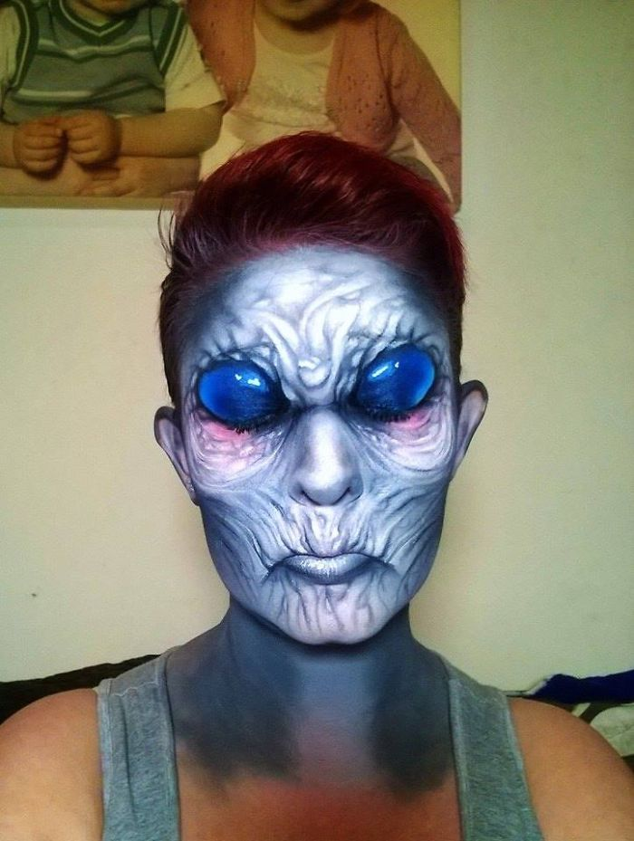 Creepy-Halloween-Makeup-By-Nikki-Shelley18__700
