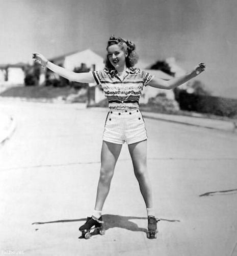 bettygrablerollerskating1930spqoiwefaljsdfaj