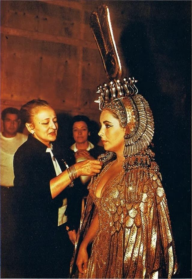 9.+Cleopatra