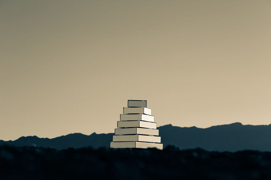 mirrored-babel-tower-that-we-made-to-move-according-to-the-weather-conditions-6__880