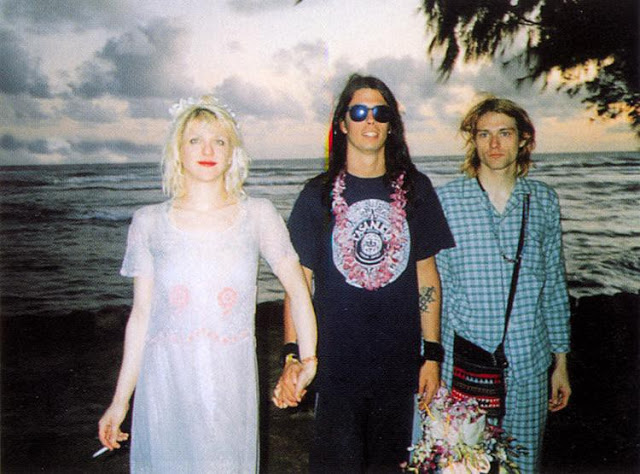 Courtney-Love-Kurt-Cobain-wedding-1992-1