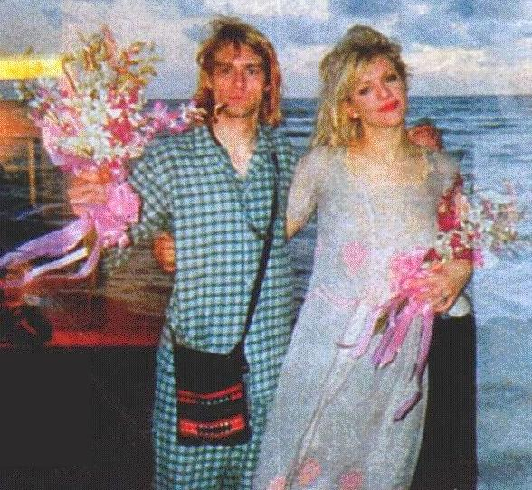 Courtney-Love-Kurt-Cobain-wedding-1992-4