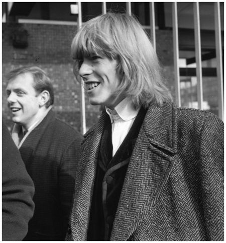 David Bowie in the early Days of His Career (8)