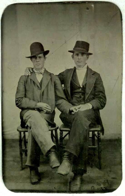 Gay Lovers in the Victorian Era (16)